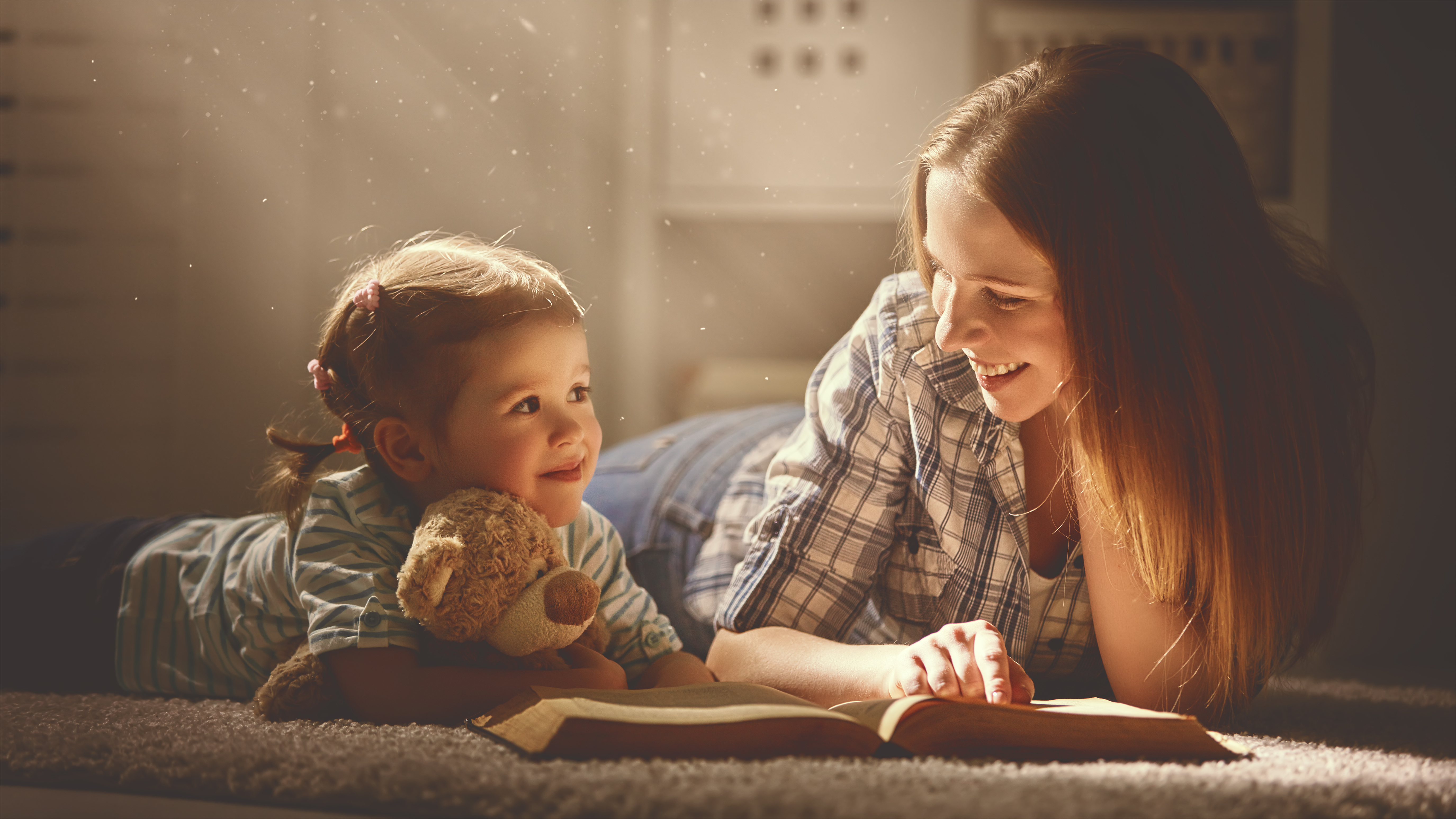 Nič nedokáže nahradiť spoločne strávený čas , v ktorom dieťa nadobúda pocity lásky, istoty a bezpečia.